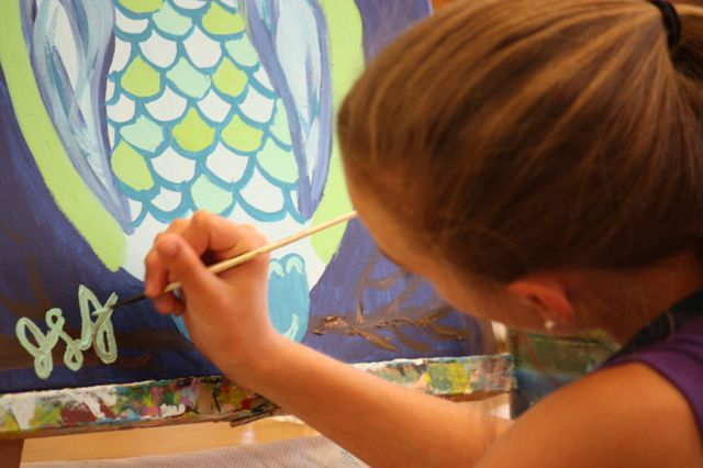 Kevin Spradlin | PeeDeePost.com Sixth-grader Jadyn Johnson puts the finishing touch on her owl painting.