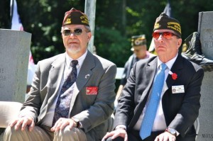 Kevin Spradlin | PeeDeePost.com William A. Thien, right, commander in chief of the Veterans of Foreign Wars of the United States, with Ernest E. Allis, commander of the  North Carolina VFW.