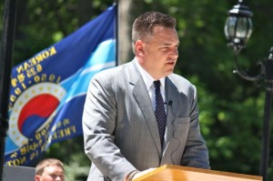 Kevin Spradlin | PeeDeePost.com U.S. Rep. Richard Hudson addresses the crowd on Saturday during the Memorial Day weekend ceremony at Richmond County Veterans Memorial Park.