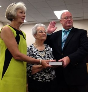 Kevin Spradlin | PeeDeePost.com New board member Don Greene, right is sworn in Thursday morning.