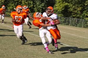 Kevin Spradlin | PeeDeePost.com Jahyae Stanback runs for a gain.