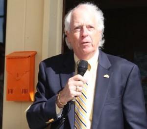 Mayor Steve Morris