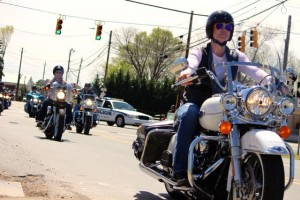 Kevin Spradlin | PeeDeePost.com Motorcycle riders pass through Mount Gilead at the intersection of State Route 73 and State Route 109 shortly after 12 noon on Saturday.