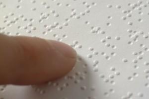 Braille_closeup