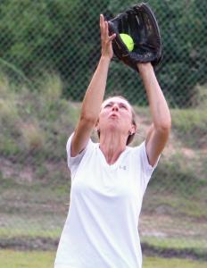 Kevin Spradlin | PeeDeePost.com Left fielder Linda Stooksbury hauls in a fly ball.